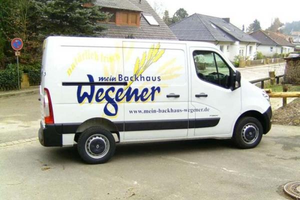 fahrzeugbeschriftung-baeckerei-wegener-traffic-01-h600C269D210-7125-0B27-E30B-76E3CA6C4998.jpg