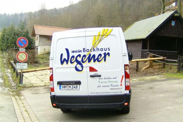 fahrzeugbeschriftung-baeckerei-wegener-traffic-03-h850F20AF321-A8A1-FD20-8968-2631C0075334.jpg