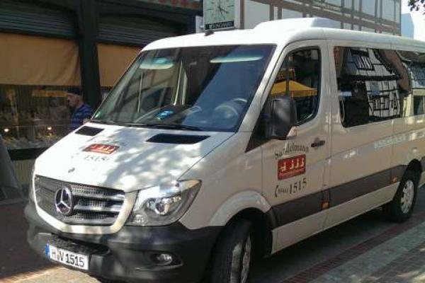fahrzeugbeschriftung-taxi-sandelmann-sprinter-01-h850804D4E5E-49D7-0EEA-2D0D-B3B860D6F780.jpg