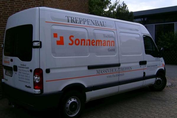 fahrzeugbeschriftung-tischlerei-sonnemann-transporter-02-h850CFDD13D8-5B67-A8EE-A468-3BA7E52BD609.jpg